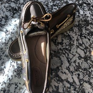 New Sperry Topsiders Brown & Gold